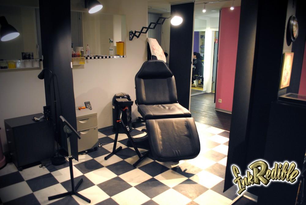 Tattoo und Piercing Studio 2
